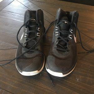 Nike basketball shoes barely worn one season!